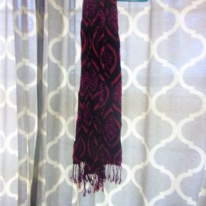 Accessories - womens boutique scarf navy blue & red damask